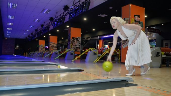 HOLLYWOOD BOWL GROUP CONTINUES INVESTMENT PROGRAMME MOMENTUM WITH
