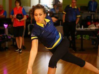 Jenny Wenger bowling